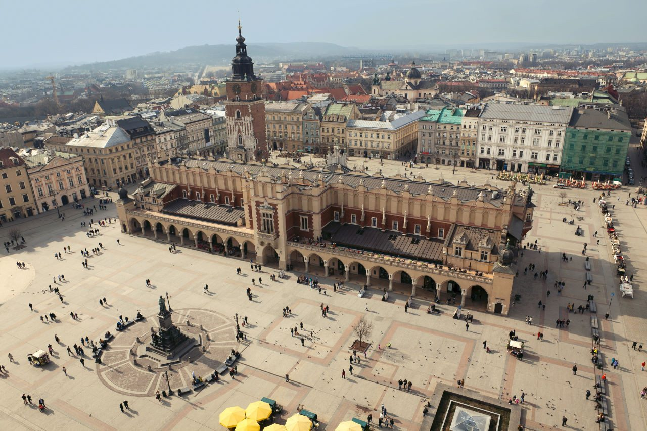 krakow-old-town-square