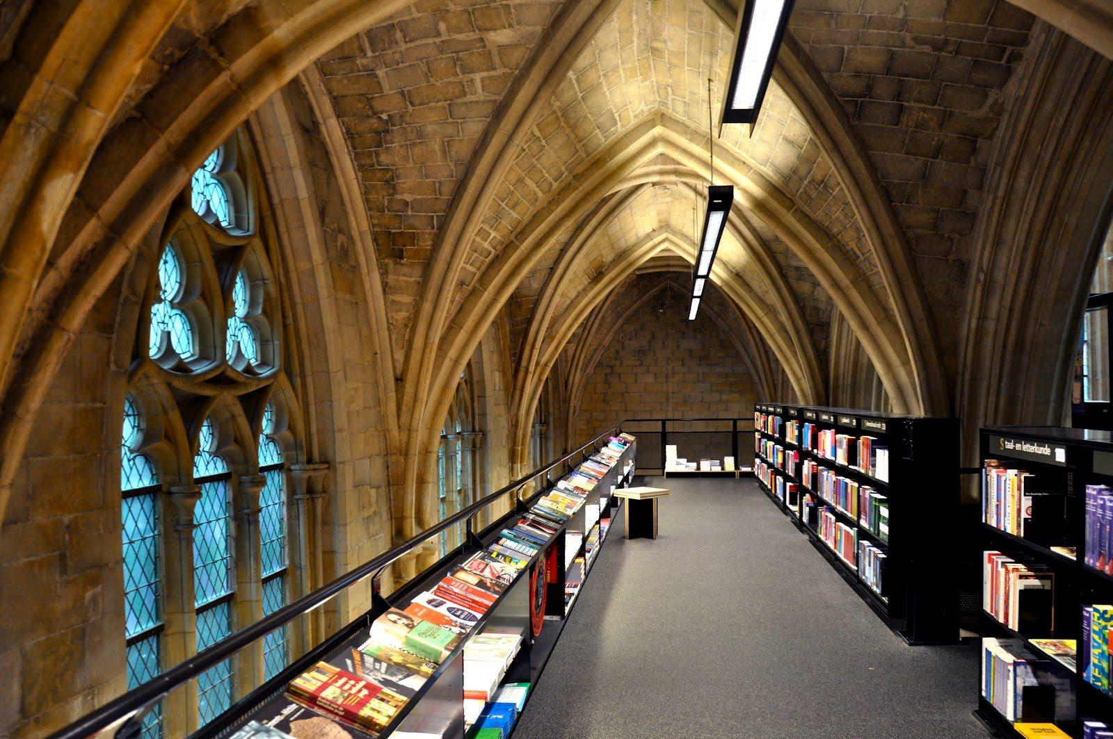 Bookstore Dominicanen-2-athensstories